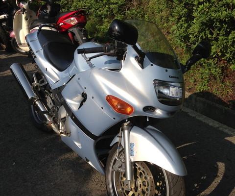 ZZR400-2