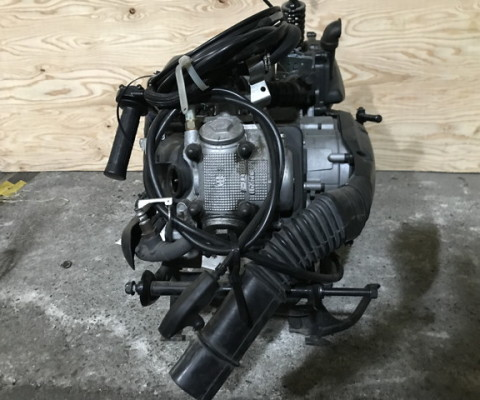 AXIS TREET125 エンジン