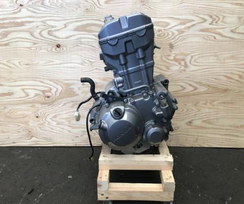 CB250F エンジン