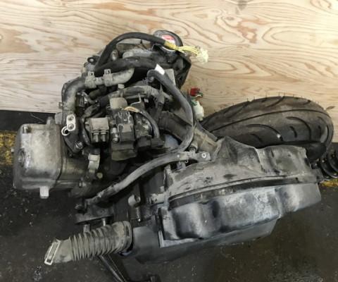 LEAD110 エンジン