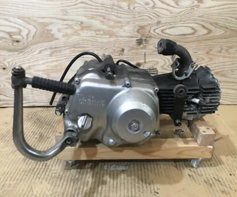 CF50 6V エンジン